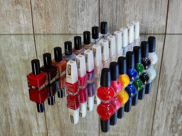 Какой цвет лака для ногтей выбрать
